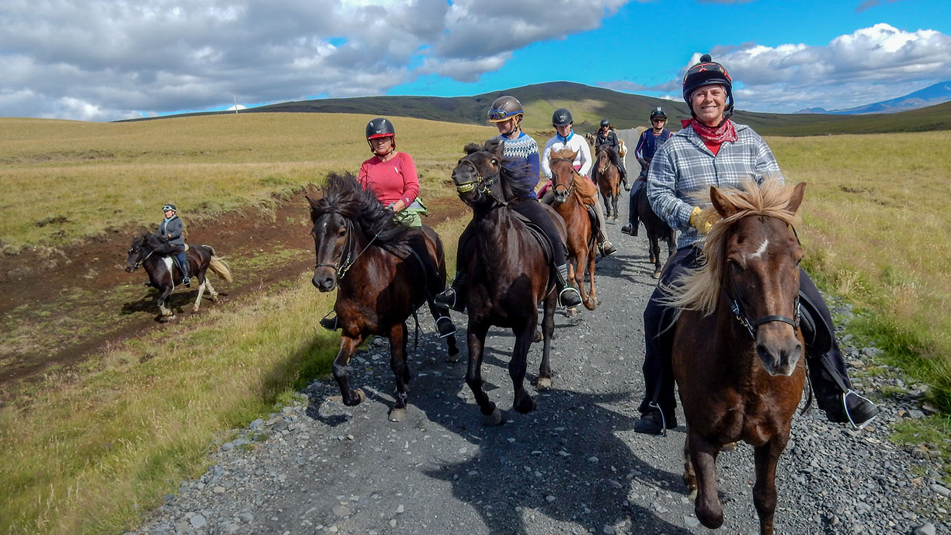 Hekla Wilderness Horseback riding tour (10)